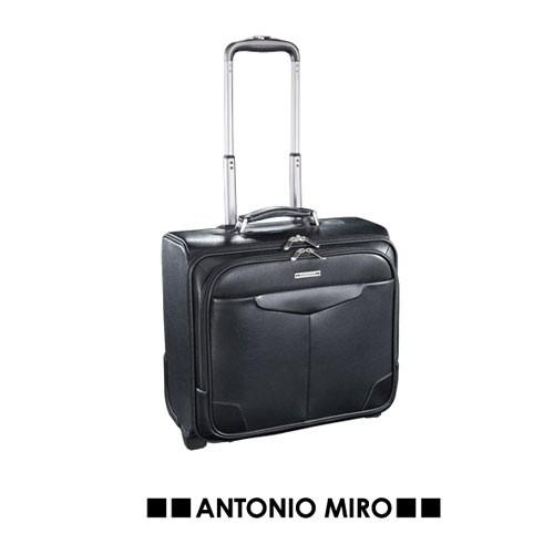 Detalle de Bautizo Trolley Bumky -Antonio Miro-