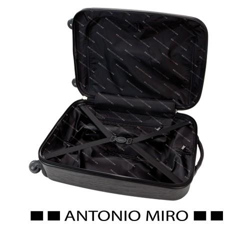 Detalle de Bautizo Trolley Tugart -Antonio Miro-