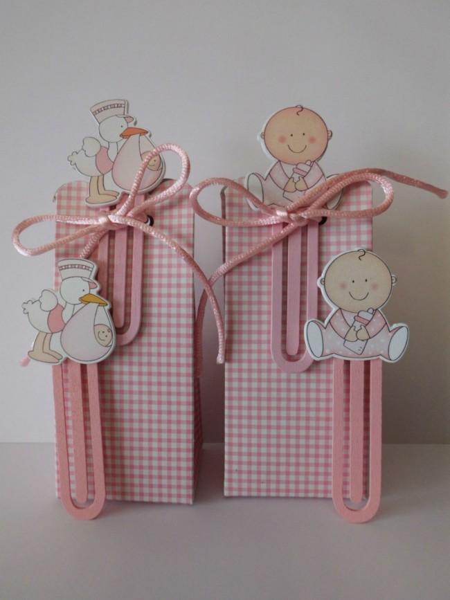 Detalle de Bautizo cajita peladillas marcapaginas rosa