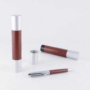 Detalle bautizos bolígrafo piel metal