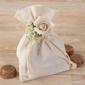 Detalle bautizo algodon con bouquet