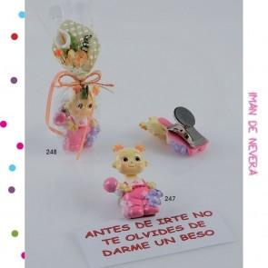 Detalle de Bautizo iman bebe niña con pinza